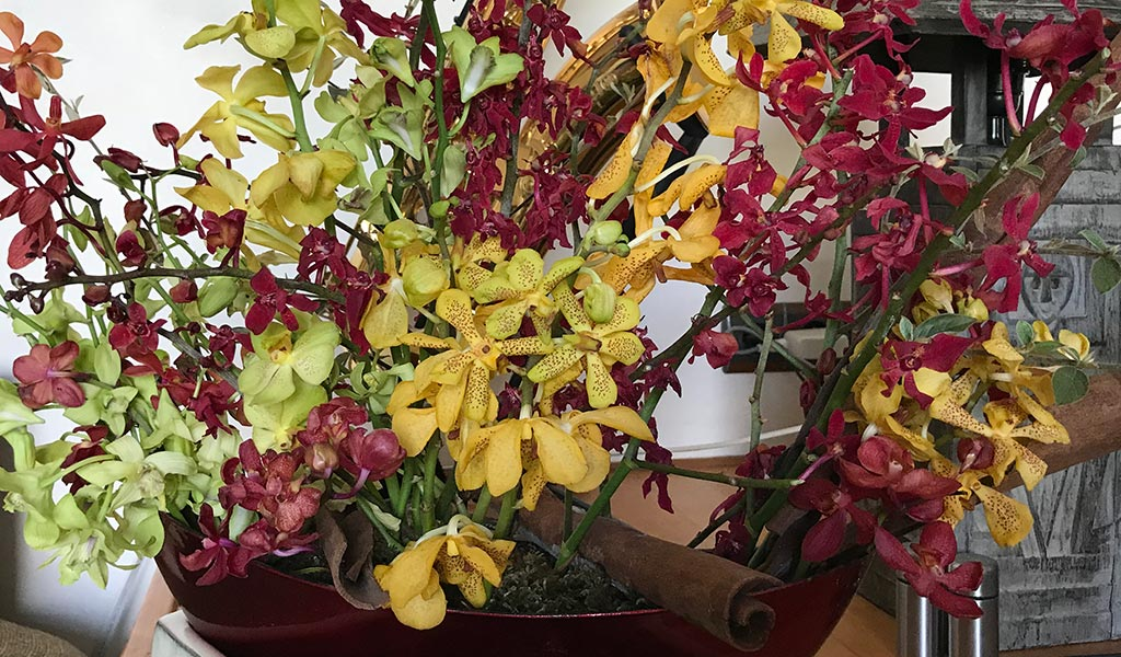 bouquet-red-yellow orchid